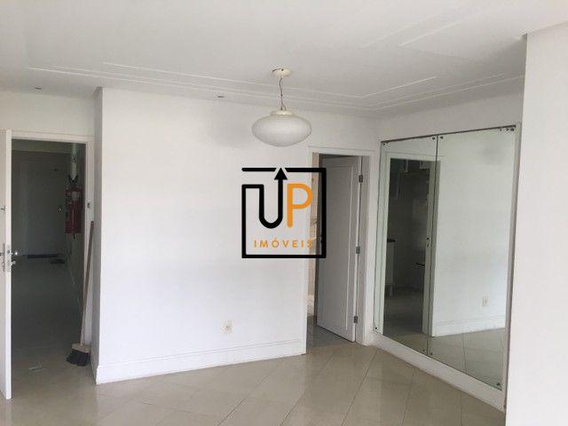 Apartamento para Locação,  com 2/4 com gabinete no Pituba Ville