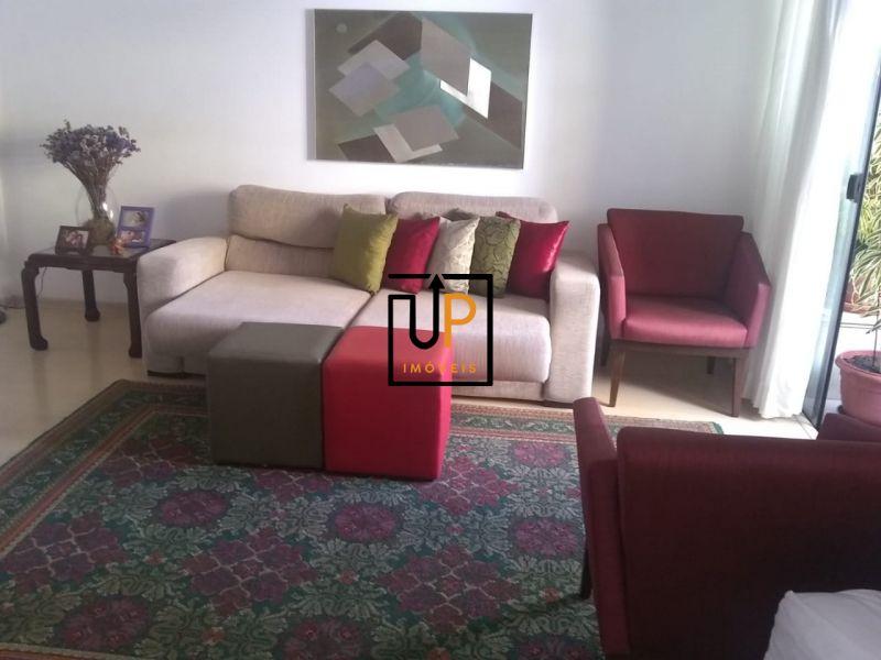Apartamento  4 quartos, sendo 01 suíte à Venda na Pituba